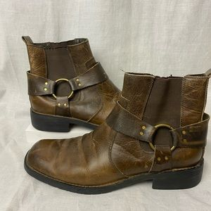 Bed|Stu Distressed Pull On Harness Ankle Boots
